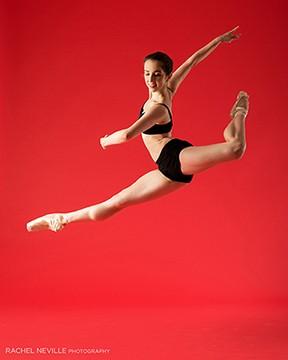 Alicia Fotnio dancer black two piece leotard pointe shoes Rachel Neville dance audition photographer